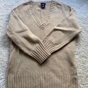 Gap V neck wool sweater size S